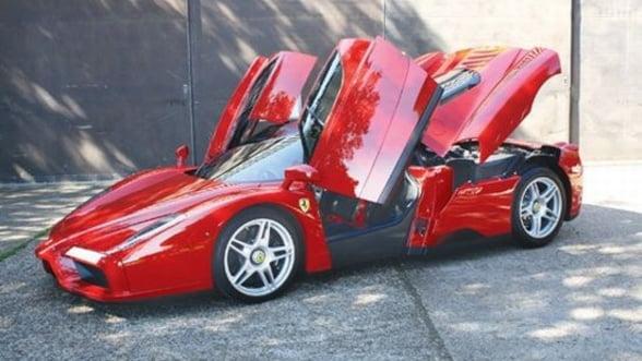 Ferrari condus de un campion mondial, scos la licitatie. Galerie foto