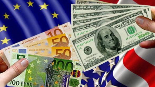 Fiecare pentru el! Europa si SUA o iau pe drumuri monetare diferite. Cine are mai mult de castigat?