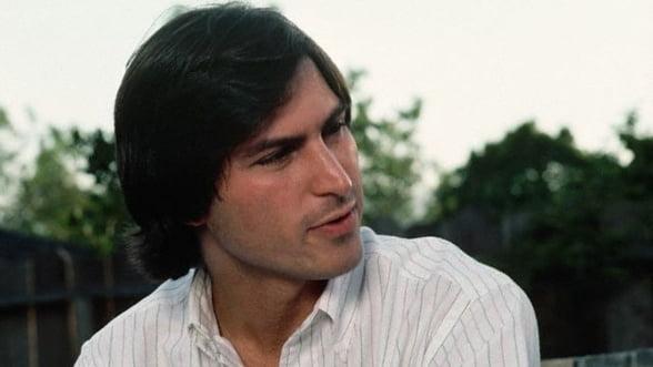 Filmul despre viata lui Steve Jobs va fi scris de scenaristul Aaron Sorkin