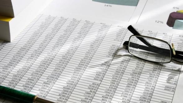 Finantele au reusit sa atraga din piata doar putin peste jumatate din suma propusa