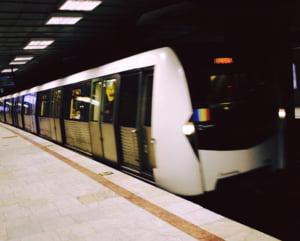 Firea va discuta cu ministrul Transporturilor despre montarea unor panouri de siguranta in statii, dupa crima de la metrou