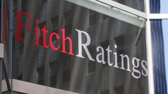 Fitch: Calificativul Greciei pentru credite pe termen lung, retrogradat