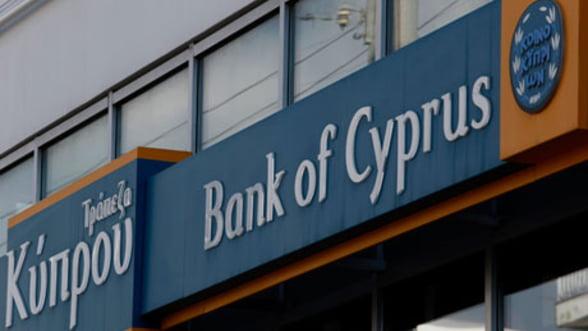 Fitch: Increderea in bancile din Cipru s-a imbunatatit