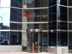 Fitch a coborat la 'negativa' perspectiva ratingurilor Ungariei