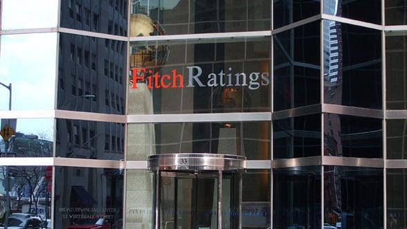 Fitch a plasat ratingul Marii Britanii sub supraveghere pentru o posibila retrogradare