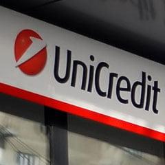 Fitch confirma ratingul 'BBB' al UniCredit Tiriac Bank, cu perspectiva negativa