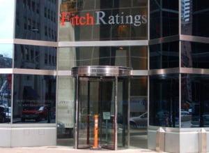 Fitch mentine ratingul Romaniei negativ, in ciuda acordului FMI
