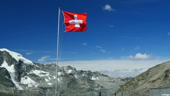 Francul elvetian poate lovi din nou? Cum controleaza Banca Nationala, din umbra, cursul valutei