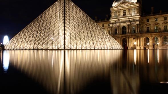 Franta genereaza mai multi bani din cultura decat din industria auto sau a luxului