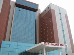 Fratii Negoita inchid 300 de camere din hotelul Rin Grand