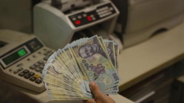 Frauda bancara - Doua persoane retinute de DIICOT, alte 4 suspendate din functie