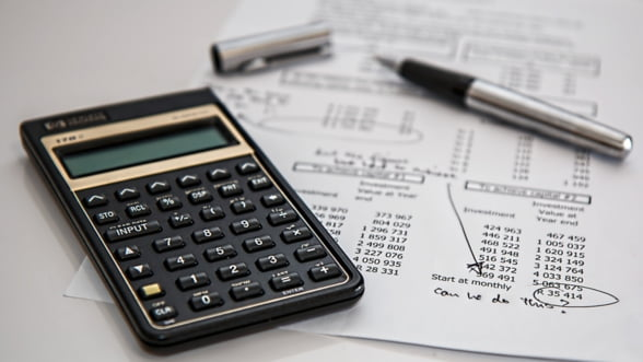 Frenezia modificarii procedurilor fiscale creste puternic cheltuielile companiilor in 2015