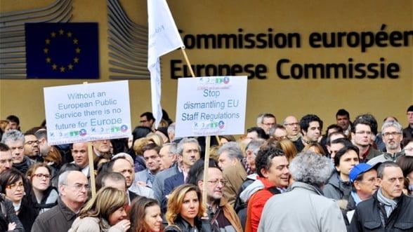 Functionarii UE au intrat in greva: Afla de ce