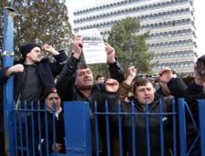 Functionarii din administratia locala ameninta cu declansarea unei greve generale
