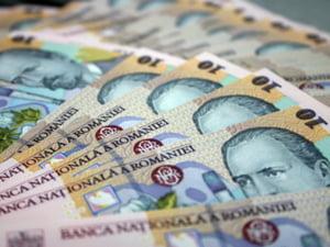 Functionarii publici ar mai putea pierde 2% din salarii in 2011