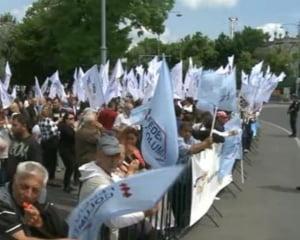 Functionarii publici pregatesc greva generala: Niciun guvern nu ne-a tratat cu atata batjocura si dispret