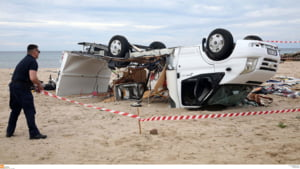 Furtuna ucigasa din Grecia nu se da dusa. E cod rosu la Salonic, alta zona turistica