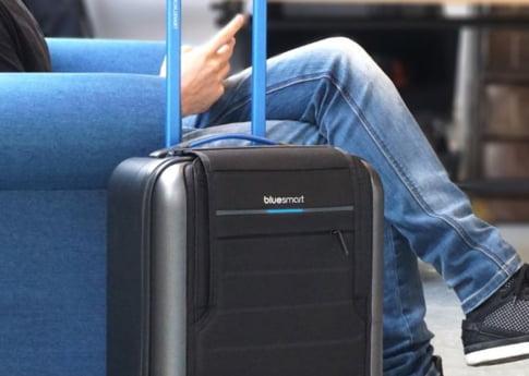 Gadgetul perfect pentru un calator inversunat: Bluesmart One, valiza care te fereste de surprize