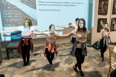Gala Mana cu Mana a strans peste 5.000 de euro in beneficiul copiilor din centre de plasament