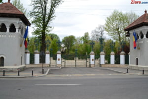 Galceava banilor: Iohannis il contrazice pe Teodorovici. Valcov a fost mandatat sa negocieze rectificarea bugetara