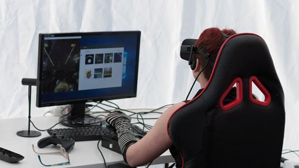 Gamer profesionist, amator sau incepator - SCAUNUL DE GAMING ARKA EAGLE B54 negru/rosu stie sa va sustina pasiunea