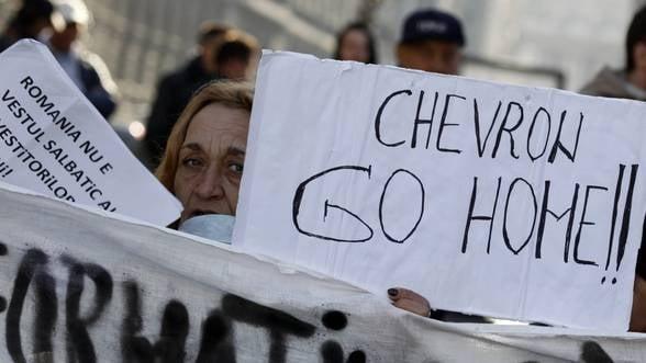 Gazele de sist. La Pungesti, localnicii protesteaza, Chevron foreaza VIDEO
