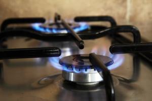 Gazul romanesc costa cu 33% mai mult decat cel de import, din cauza ordonantelor Guvernului