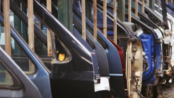Germania, in a treia zi de greva: Angajatii Mercedes-Benz, Porsche si Ford nu mai lucreaza pana nu obtin un program mai scurt