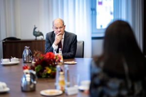Germania pregateste un pachet de sprijin de 10 miliarde de euro pentru companiile afectate de noile masuri de izolare