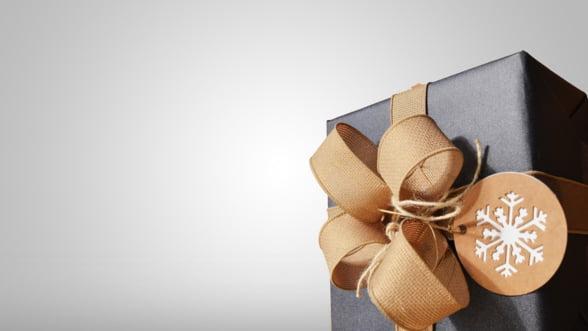 Gift concierge: Ce cadouri de Craciun oferi unui businessman?