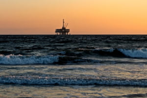 Gigantii petrolului la nivel mondial sunt interesati de zacamintele Romaniei din Marea Neagra