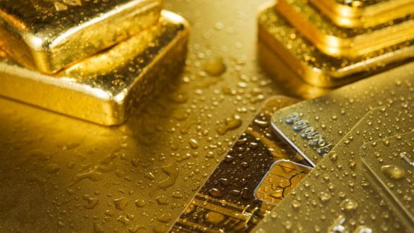 Goana dupa aur a Elvetiei pune mare presiune pe euro