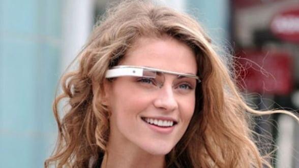 Google Glass primeste mai multe aplicatii: Facebook, Evernote si Twitter