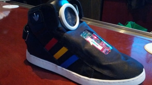 Google a conceput pantofi vorbitori impotriva lenei