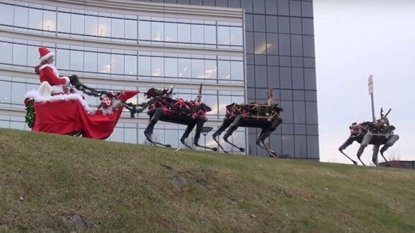 Google strica imaginea lui Mos Craciun: Felicitare cu roboti militari in loc de reni (Video)