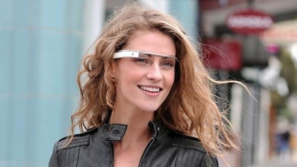 Google va produce ochelari digitali in SUA, in colaborare cu Foxconn