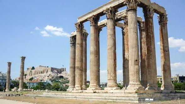 Grecia, dependenta de imprumuturi. Cu cat mai mare e greseala, cu atat mai mare e ajutorul