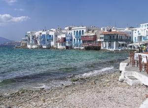 Grecia a mobilizat poliția pentru impunerea restricțiilor anti-COVID pe principalele insule după creșterea alarmantă a cazurilor