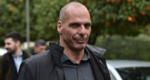 Grecia fierbe, Yanis Varoufakis a plecat in vacanta