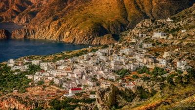 Grecia intră oficial în zona roșie de risc epidemiologic. De când încep să fie aplicate noile măsuri de carantinare pentru români