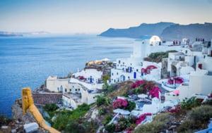 Grecia redeschide toate scolile si gradinitele. Numaratoare inversa si pana la debutul sezonului turistic