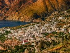 Grecia si-ar putea inchide granitele definitiv pentru turisti in august, se tem expertii greci. Sedinta de maxima importanta la Atena
