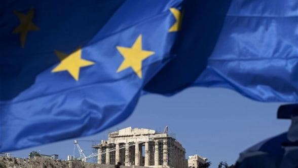 Grecii au retras din banci peste 700 milioane de euro intr-o zi