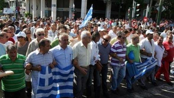 Grecii intra, din nou, in greva generala din cauza masurilor de austeritate