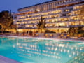 Grecii vand un resort de lux cu 400 de milioane de euro. Banii vin din Turcia si tarile arabe