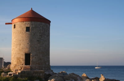 Grecii vor sa scoata la vanzare portul Salonic si spera sa ia pe el peste 200 de milioane de euro