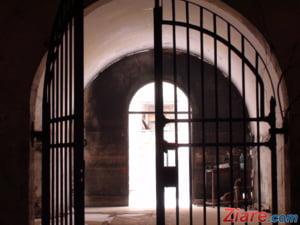 Greva japoneza in penitenciare. Gardienii invita presa astazi sa vada conditiile de lucru