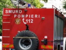 Groapa de gunoi din Bacau arde de 3 saptamani. Autoritatile sustin ca nu e un pericol, dar medicii spun la ce riscuri sunt expusi oamenii