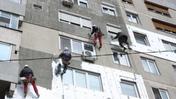 Guvern: Reabilitarea termica a blocurilor continua. Vezi cat este plafonul garantiilor in acest an