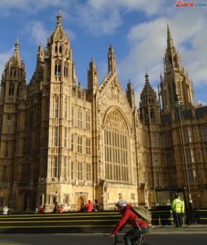 Guvernul May sufera a doua infrangere in Camera Lorzilor: Brexit se face cum vrem noi!